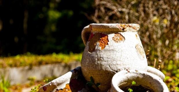 cracked pots (618 x 411)